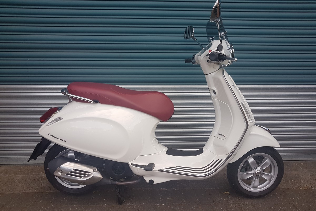 vespa primavera 125 for sale in nottingham east midlands. Black Bedroom Furniture Sets. Home Design Ideas