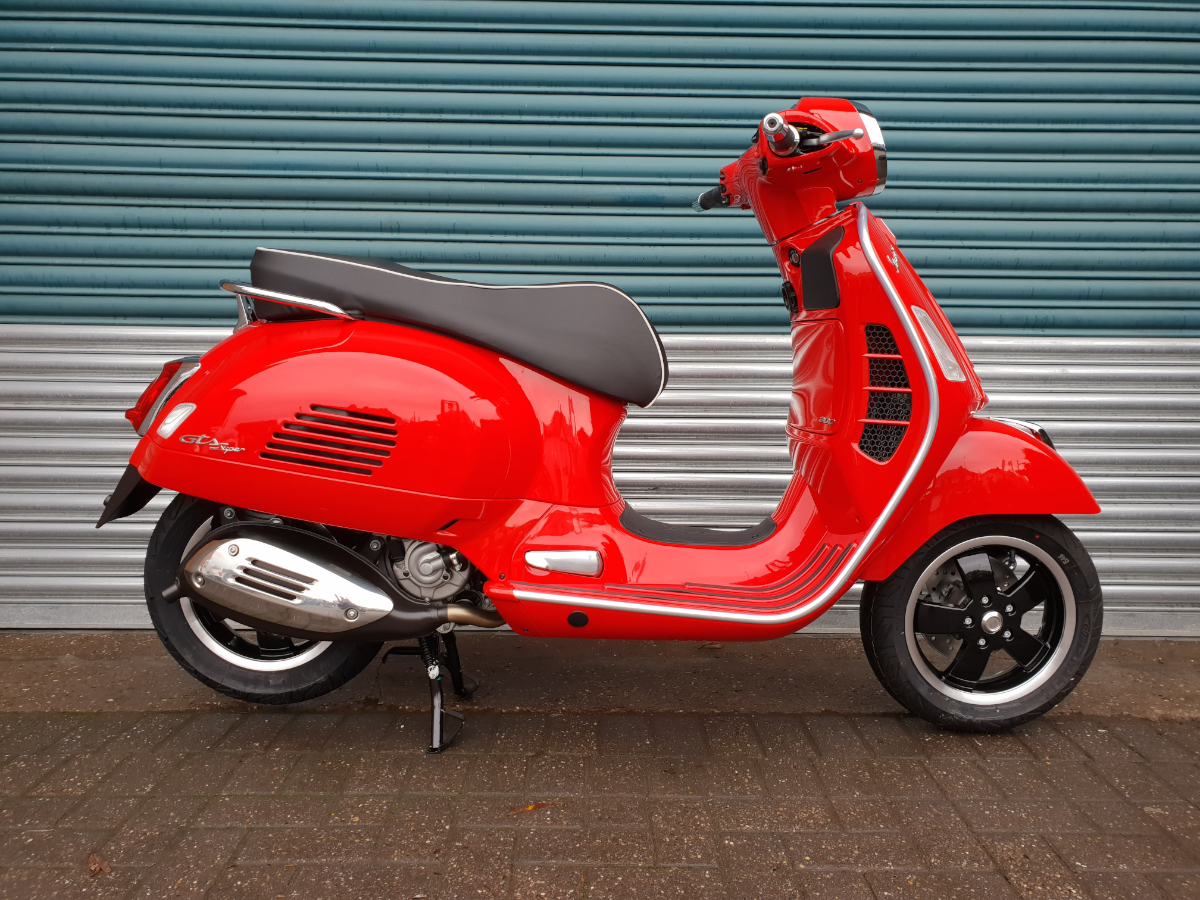 vespa gts 300 super abs 19my for sale in nottingham. Black Bedroom Furniture Sets. Home Design Ideas